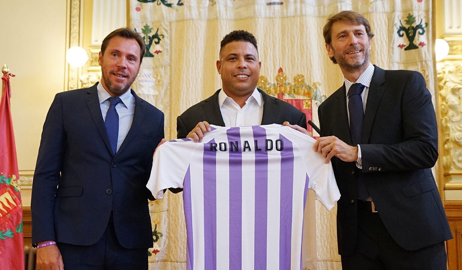 Legenda Real Madrid Beli Saham Real Valladolid